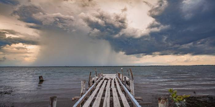 Co robić, gdy pada... nad morzem