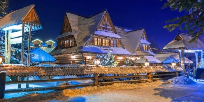 Gdzie zjeść w Zakopanem? Poznaj zakopiańskie restauracje z góralską duszą